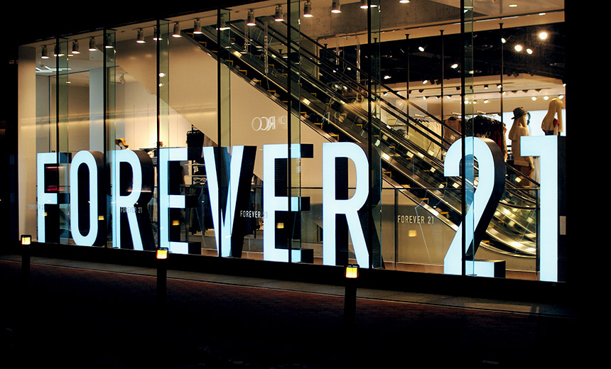 Forever 21 was founded in by current CEO Do Won Chang and his wife Jin. Sook Chang The store was originally called Fashion 21 and targeted middle-aged women. Today, the company's focus is more on younger women. The first.
